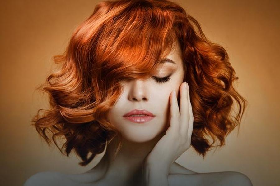 Koloryzacja włosów – farba czy henna