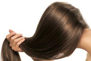 Przedwczesne siwienie włosów – czy świadczy o chorobie