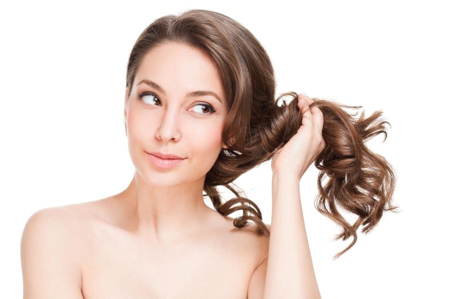 Biotyna – jedna z najważniejszych witamin dla pięknych włosów