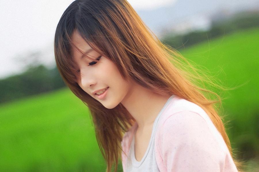 Najskuteczniejsze suplementy dla włosów – jak wybierać