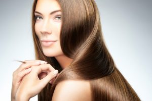Kondycjonowanie włosów i ich odżywianie – czym się różnią