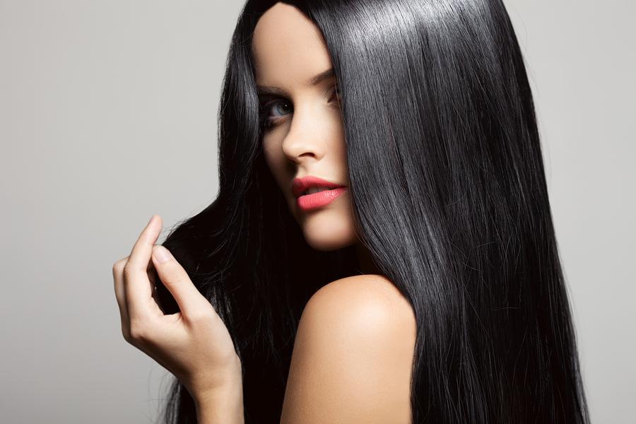 Jak dbać o włosy podczas kuracji odchudzającej