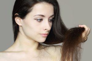 Jakiej pielęgnacji potrzebują włosy mieszane